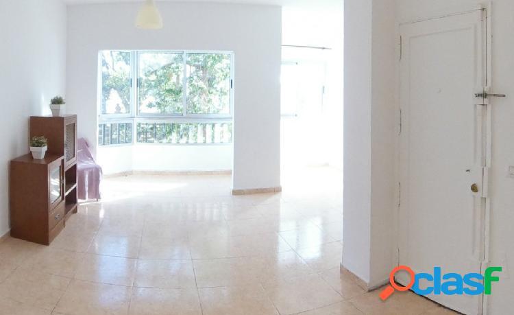 Se alquila piso en zona de Juan Rejon, Las Palmas de Gran