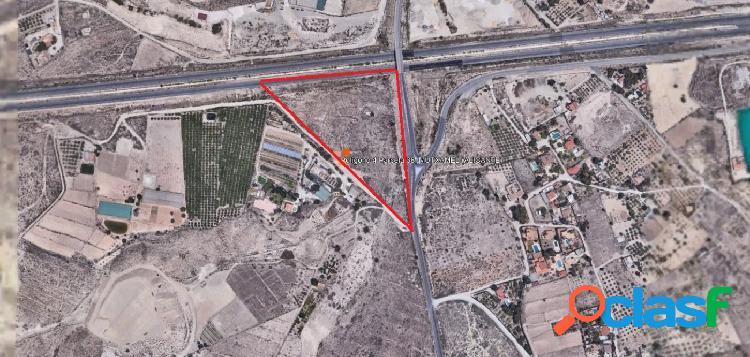 Terreno urbanizable próximo al aeródromo de Muchamiel y a