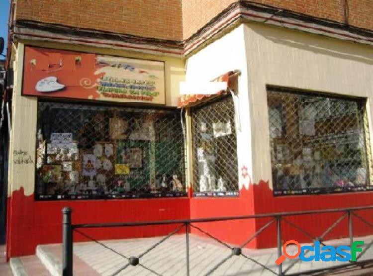 Local comercial en venta en calle Humera, zona centro, 28945