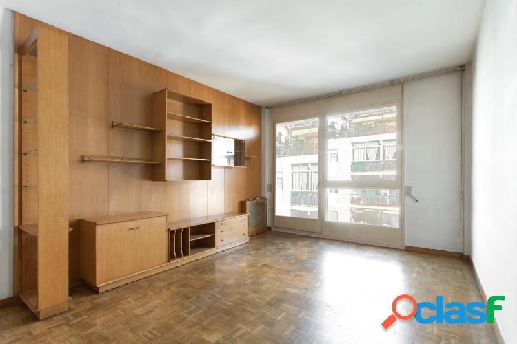 Precioso piso en Galvany, alto, soleado, con plaza de
