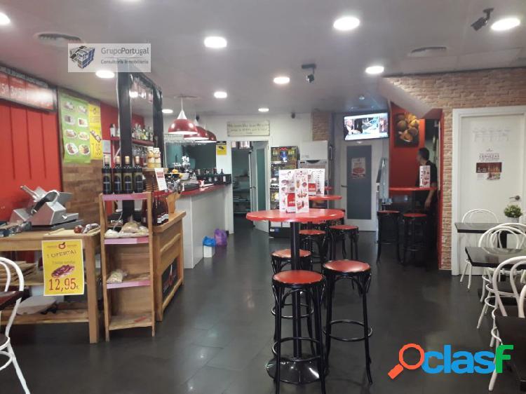 Traspaso Bar Cafetería Sin salida de humos 200m², en zona