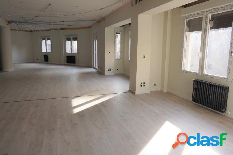 Venta de piso en Calle Felipe Sanclemente 13 - Zaragoza