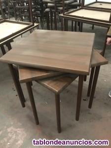 Sillas y mesas de bar