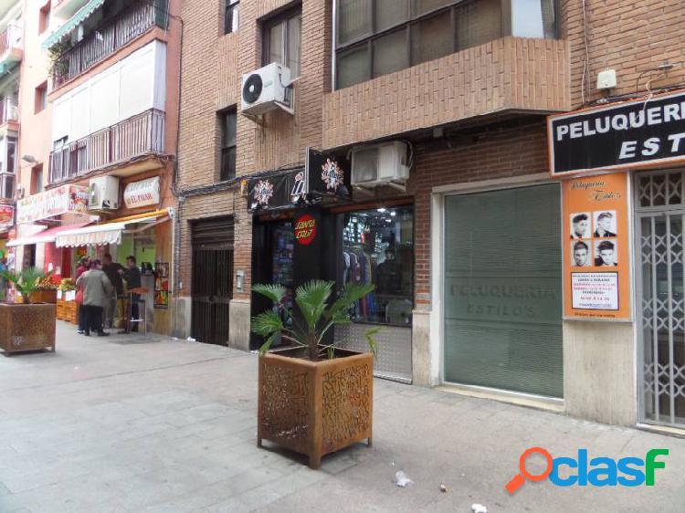 Alquiler delocal comercial en el centro, zona Calle del