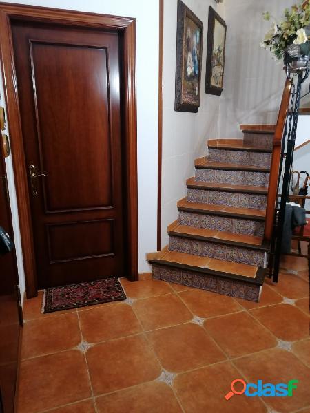 Casa adosada esquinera en Torrefarrera
