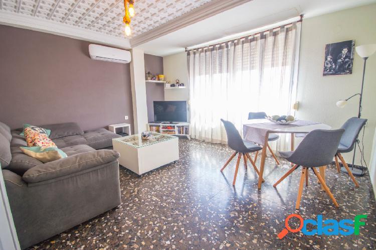 Fantástico piso en esquina muy luminoso!!