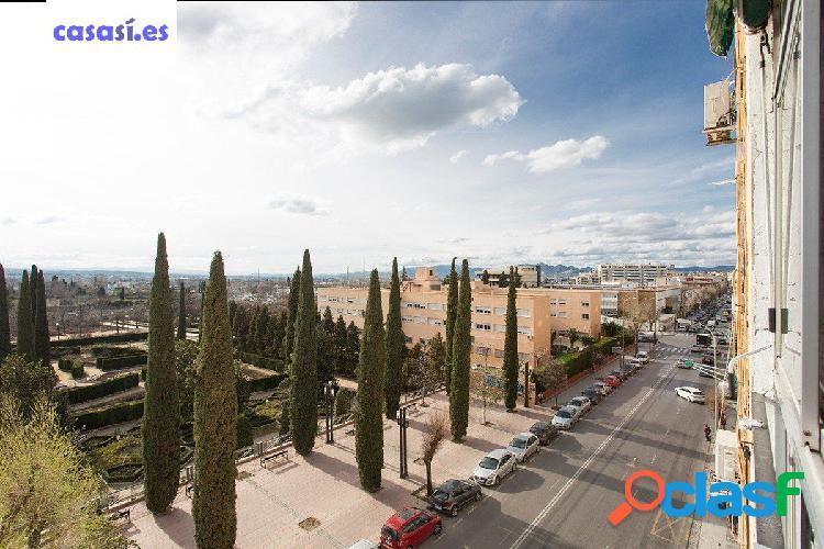Piso con espectaculares vistas al parque García Lorca -