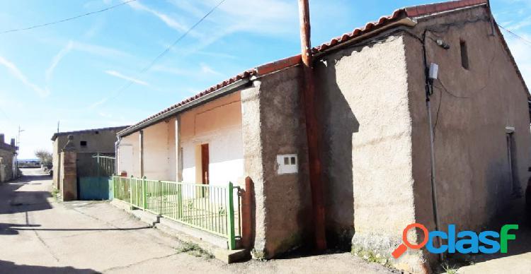 Urbis te ofrece una casa de pueblo en venta en Aldehuela de