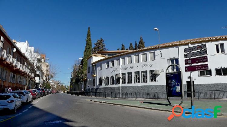 Venta de piso en Granada (Zona San Ildefonso)