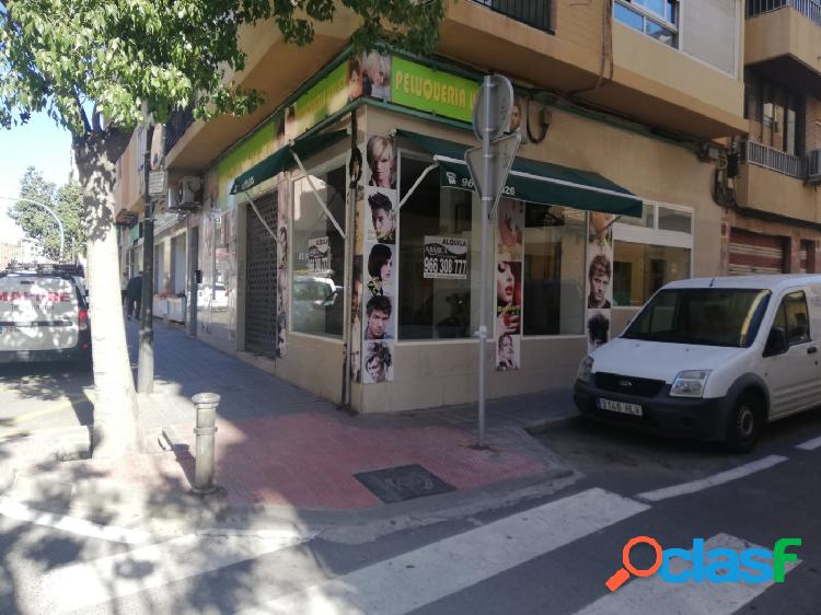 Local esquina en Avda. Soto Ameno. San Blas