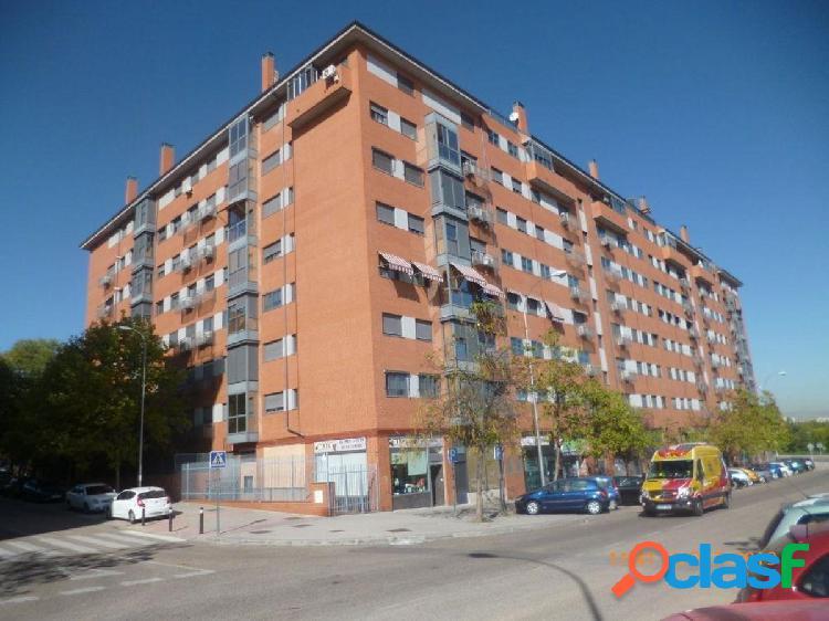 Piso duplex en venta en calle Estefanita, zona