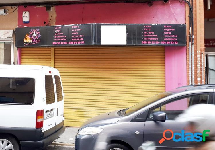 Se vende local comercial en Puente Tocinos. !Céntrico¡