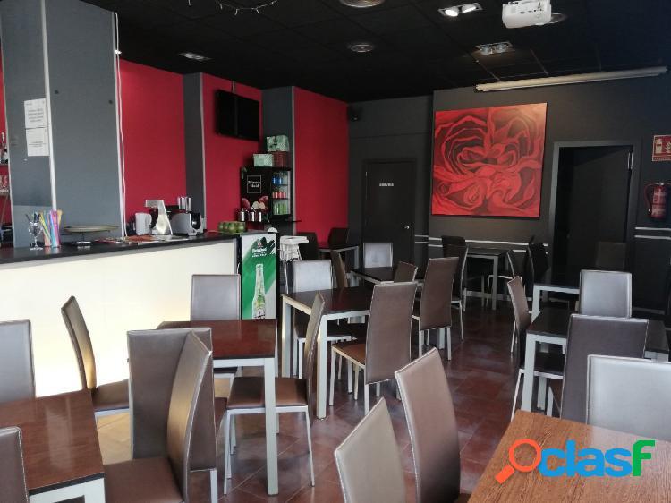 Local Comercial con licencia BAR en Vila Seca