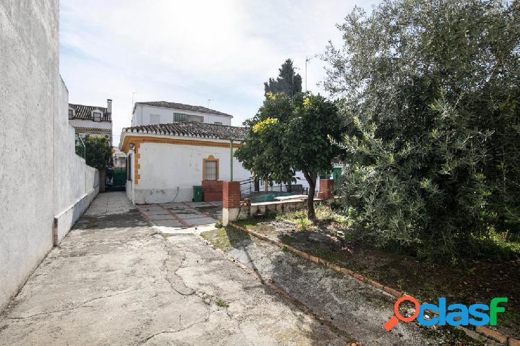 Magnifica casa en parcela de 513 m2 en Granada en la zona