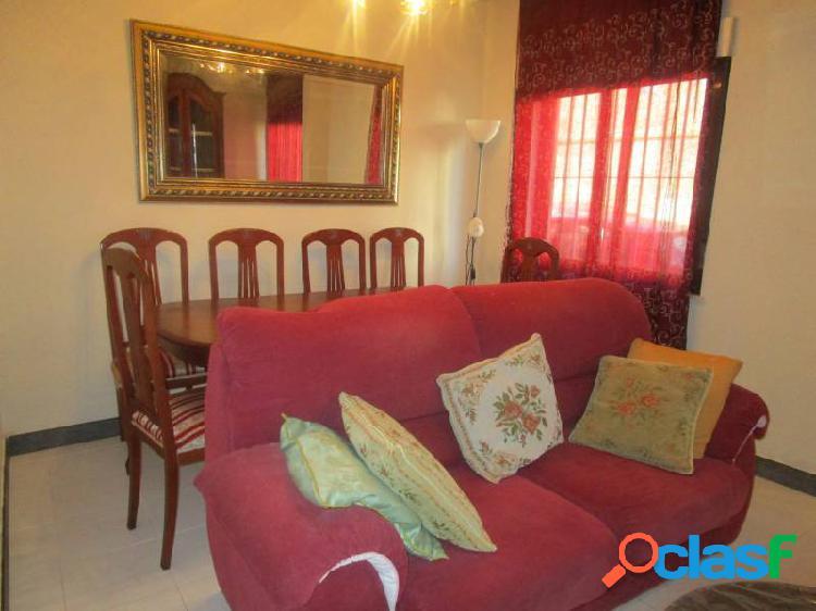 Urbis te ofrece un piso en alquiler en zona San Bernardo,