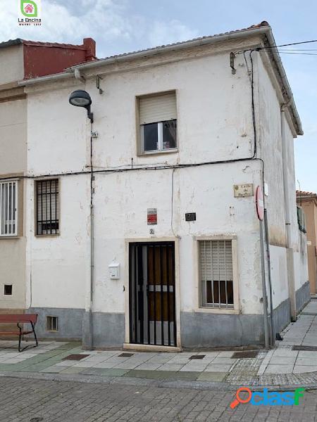 Casa pareada en Barrio el Carmen