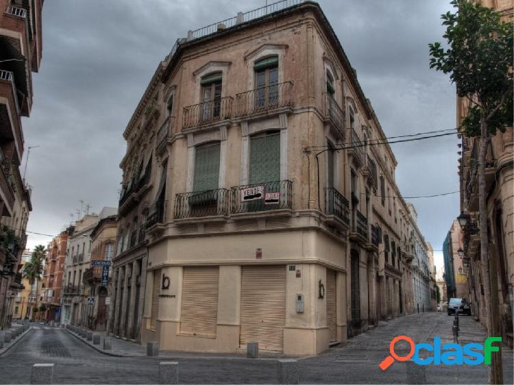 En venta Edificio señorial en pleno centro de Almeria para