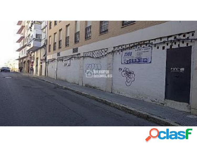 Local comercial en calle Obispo Díaz Bernal en Huelva