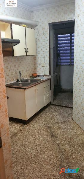 PISO IDEAL PARA REFORMAR A 5 MINUTOS DEL CENTRO DE ALBACETE