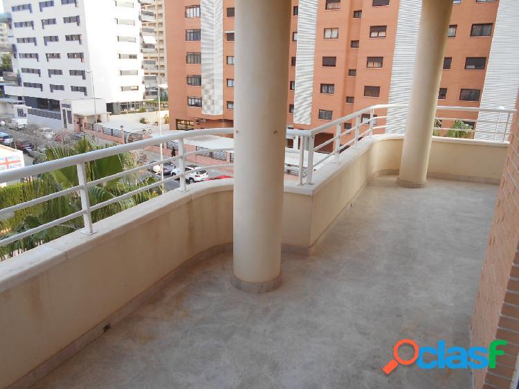Precioso piso con garaje, trastero y piscina en Playa San