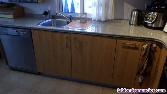 Muebles de cocina con encimera de mármol