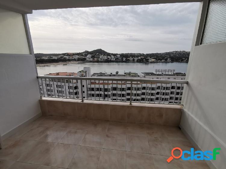 Acogedor piso con vistas al mar