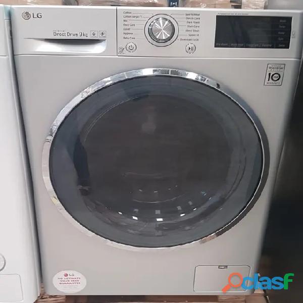 Lavadora de plata LG fh4u2vcn4