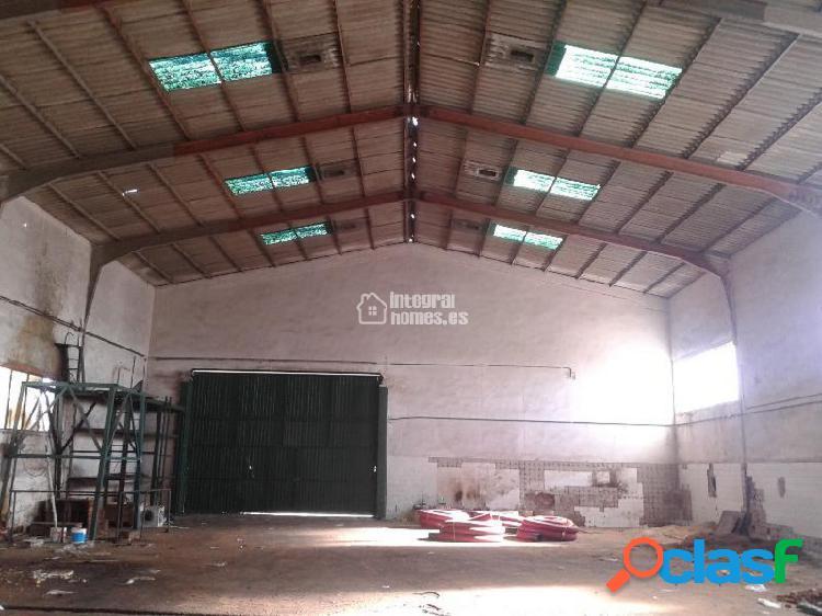 Nave industrial en Polígono EXFASA en San Juan del Puerto