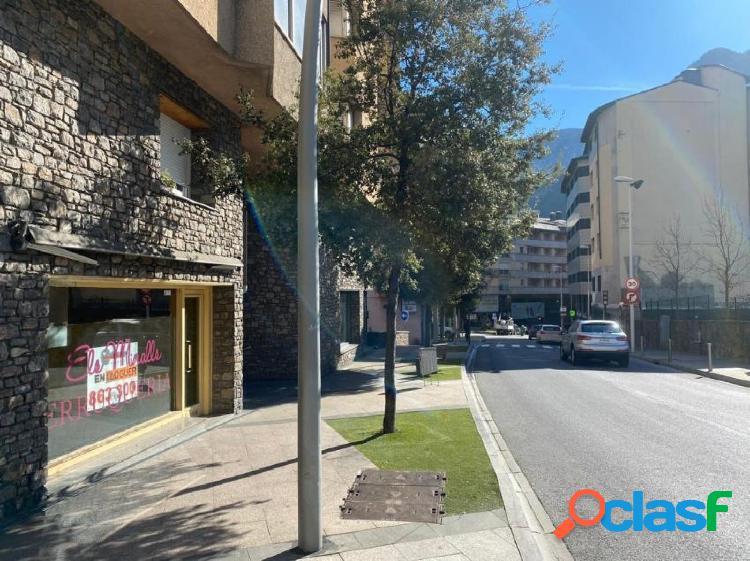 LOCAL COMERCIAL EN ESCALDES ENGORDANY CERCA DEL CENTRO