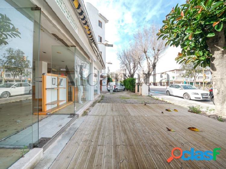 Local comercial en Puerto de Alcúdia, Mallorca.