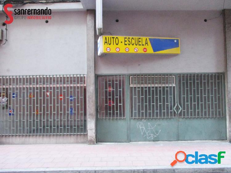 Se vende local en calle Nogal - VALLADOLID. 154m2 -