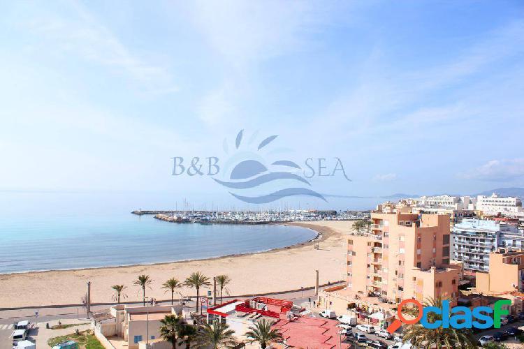 Ático con impresionantes vistas al mar en Can Pastilla