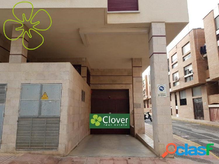 En venta 2 garaje en la Plaza Maestro Fulgencio Romera