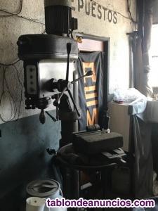 Herramientas/maquinaria taller mecánico