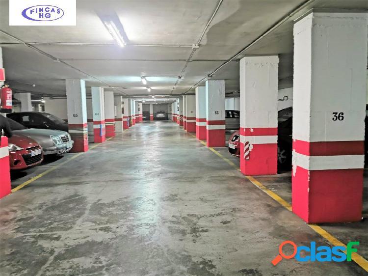 Plaza de garaje situada en San Blas