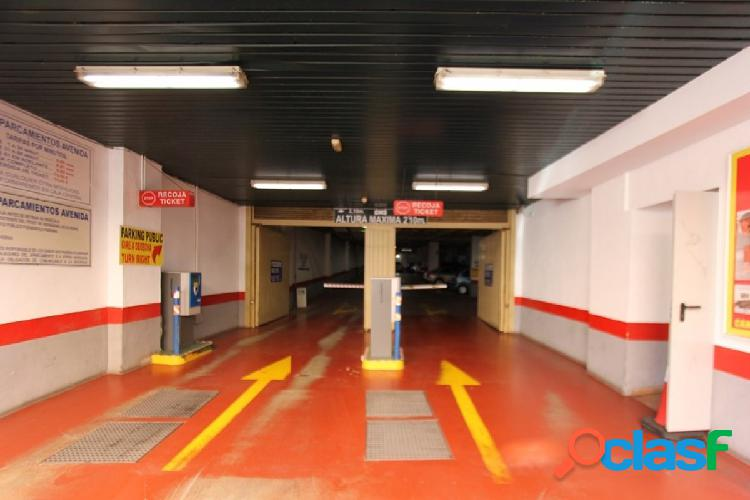 se vende garaje pleno centro de fuengirola