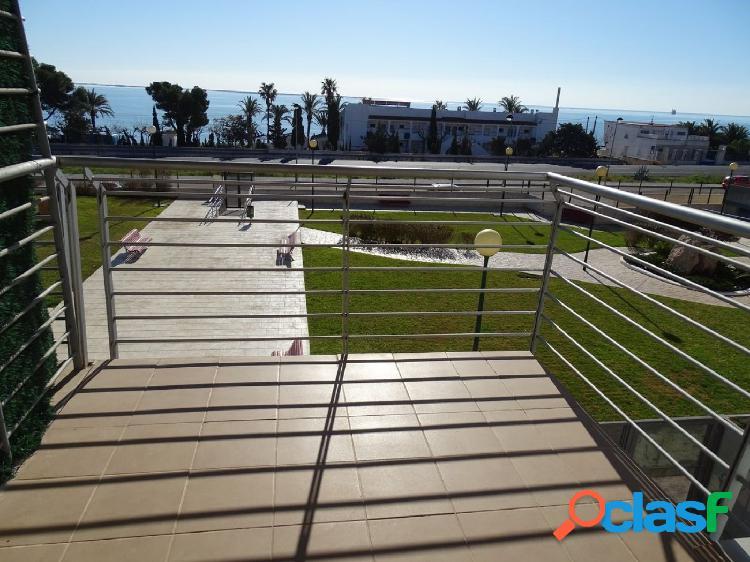 Apartamento de 65 m2, consta de 2 dormitorios.
