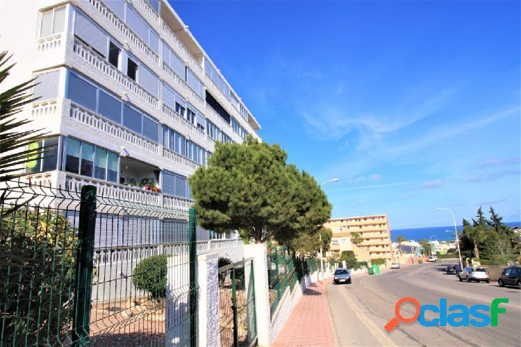 Bonito y coqueto apartamento con vistas al mar y cerca de la