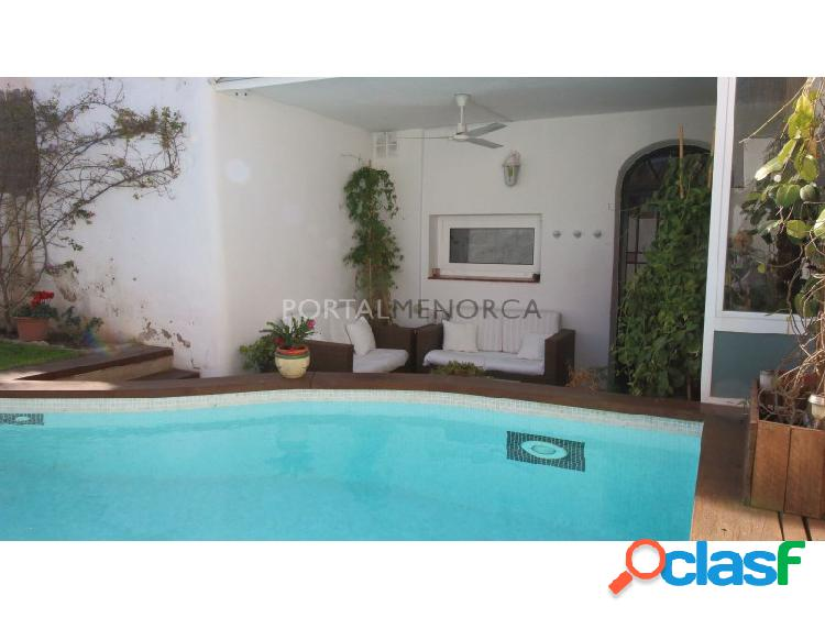 Casa antigua reformada y con piscina en Mahón, Menorca.