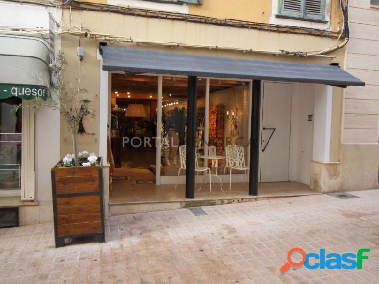 Local comercial en el centro de Mahón, Menorca.