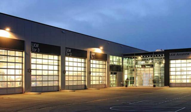 Puertas seccionales industriales para talleres y