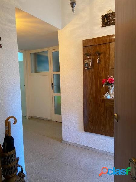 Lluminós pis a Sant Llorenç Savall de 4 habitacions