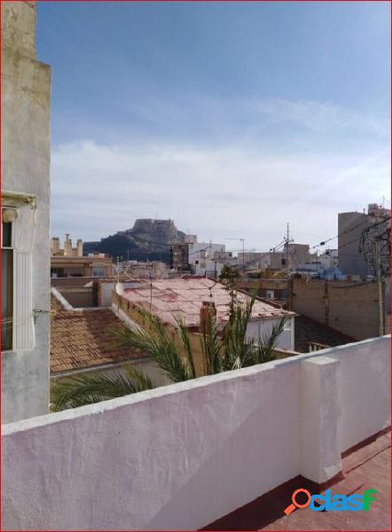 Piso de 110 metros con solarium y vistas de santa Barbara