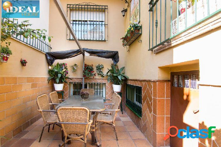 A6652J6. Exclusiva Vivienda unifamiliar en Granada capital,