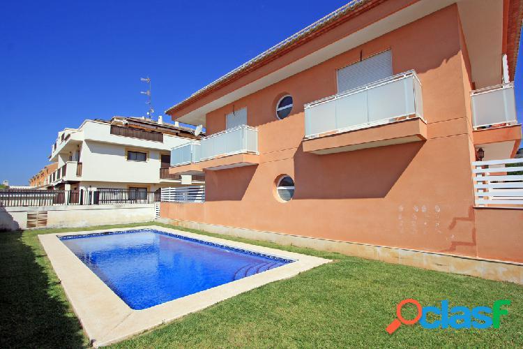 Acogedor a apartamento en planta baja con piscina