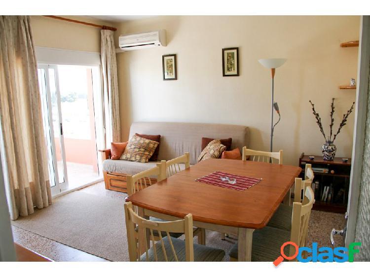 Alquiler anual - Piso de 4 habitaciones en Denia