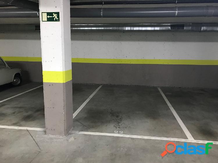 Alquiler de plaza de garaje en la calle Arsenio Odriozola