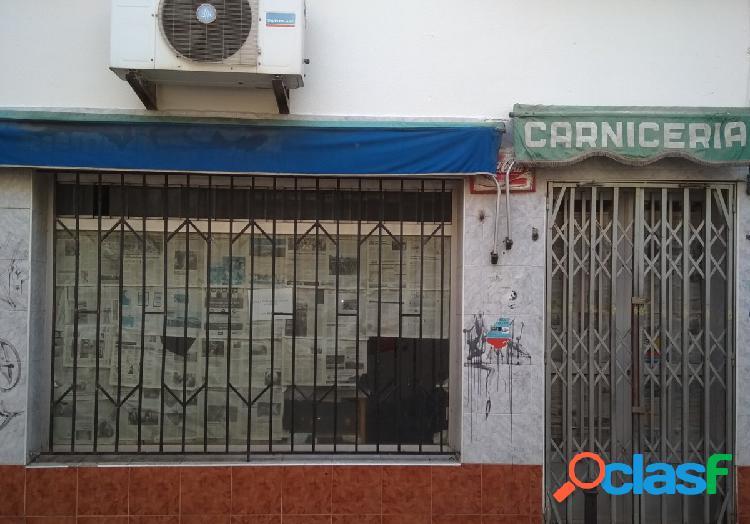 Amplio local comercial en la calle Arco Agüero