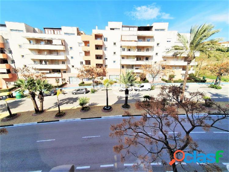Amplio piso de 117 m2 de 3 dormitorios en Estepona