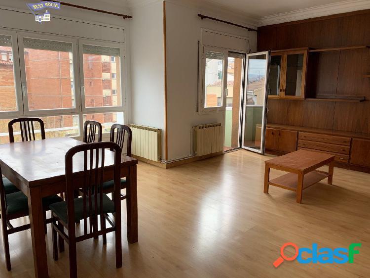 Amplio piso de 4 habitaciones en St. Joan de Vilatorrada